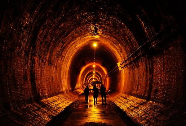 「隧道に雨が降る」田中 雅之さま